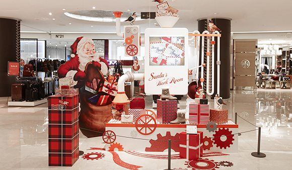 Prop Studios also designed a display of Santa's Workshop within the Hyundai store