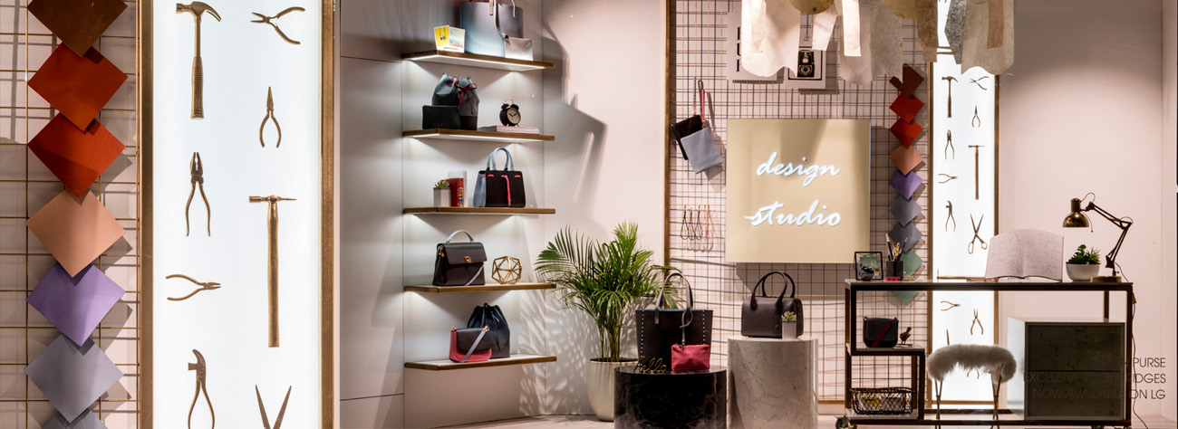Wide shot of Mon Purse store interior