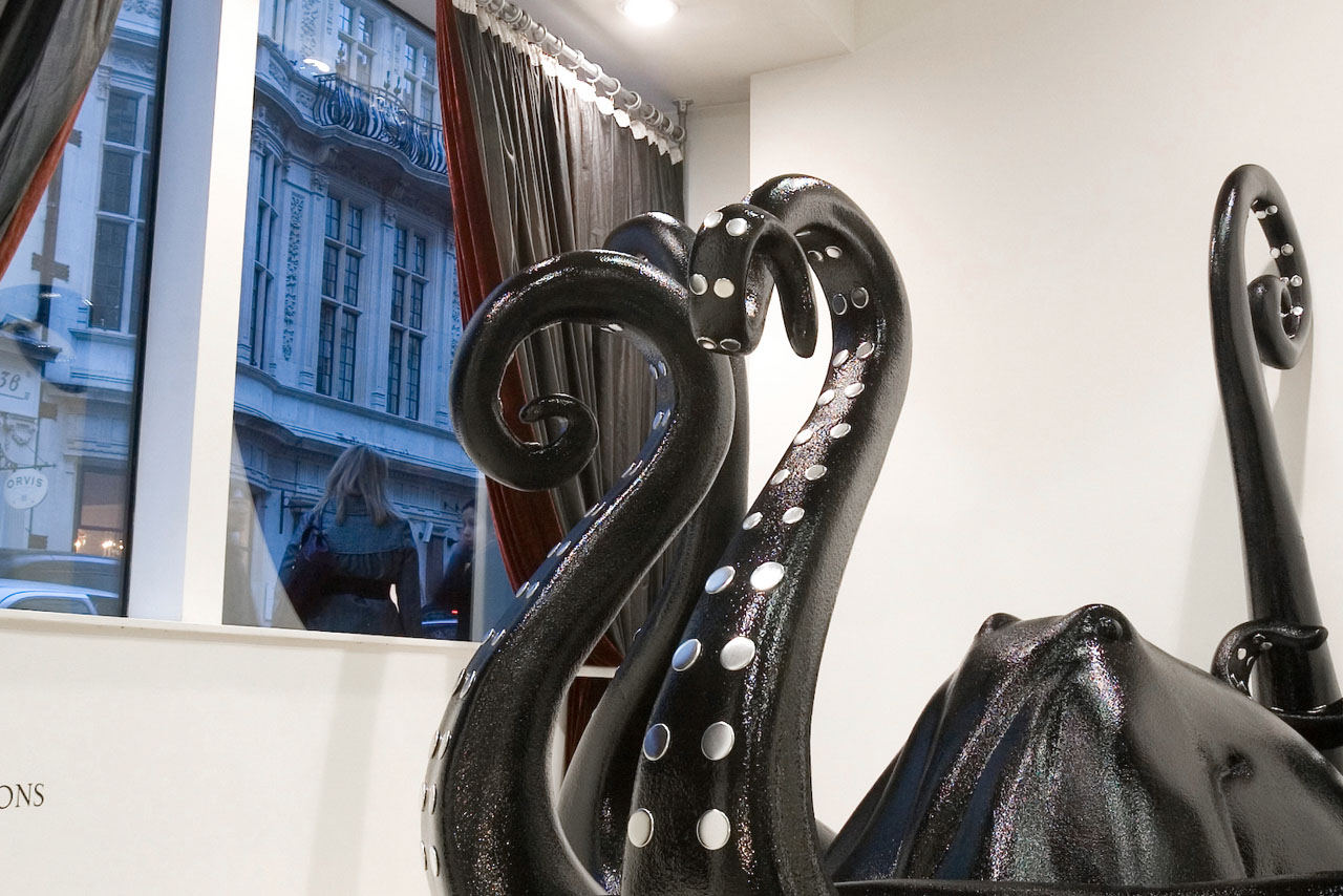 Les Trois Garcons has an art gallery environment so Prop Studios created the octopus to give the impression of an art installation