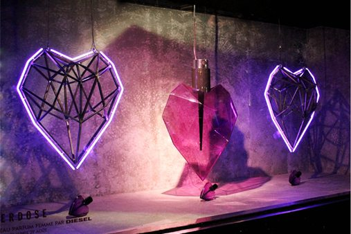 Prop Studios sprayed each heart in a specially-formulated Candy translucent spray, colour-matched to the glass perfume bottle perfectly