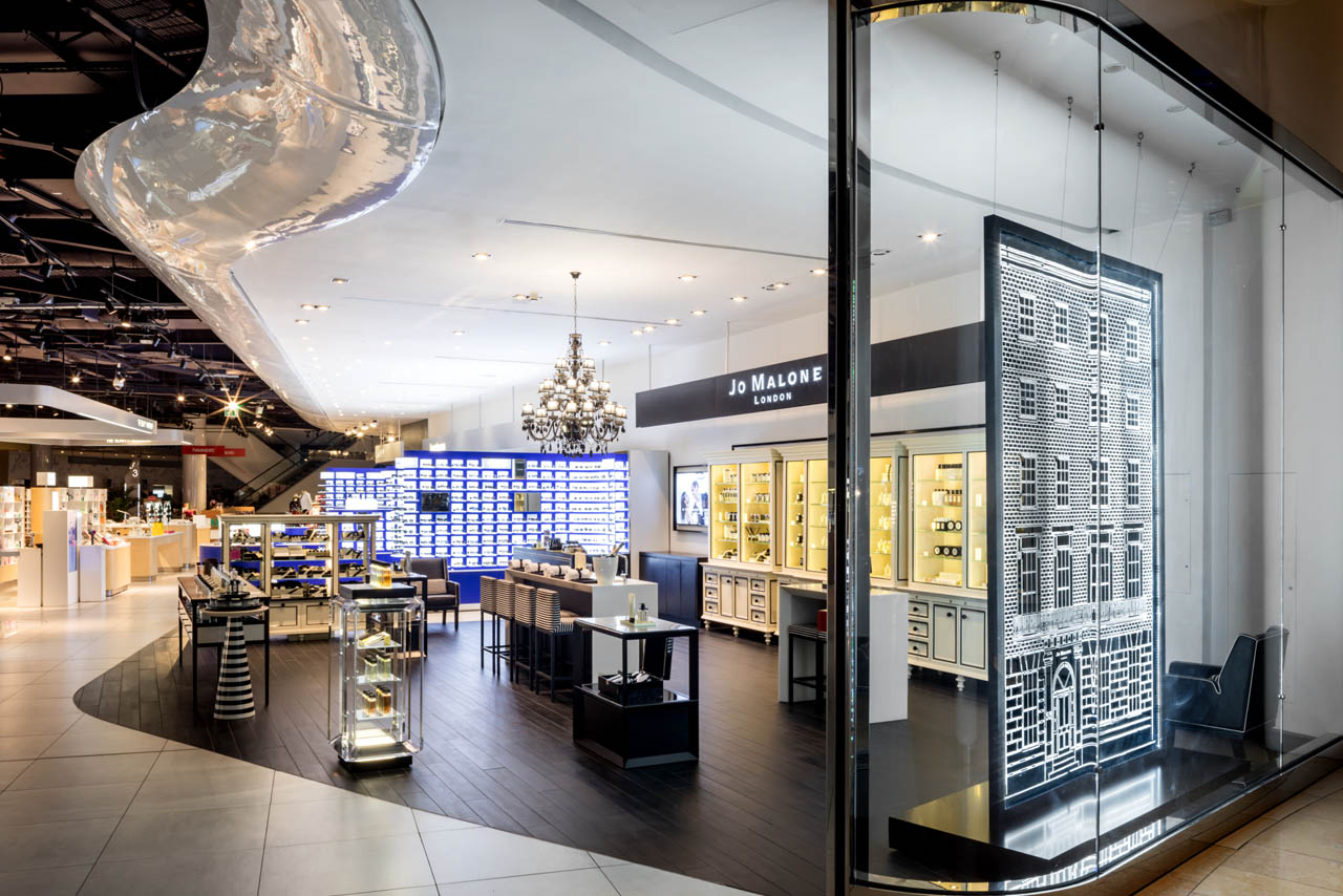 Full photograph of the Jo Malone store at Selfridges, with Prop Studios' window design in view