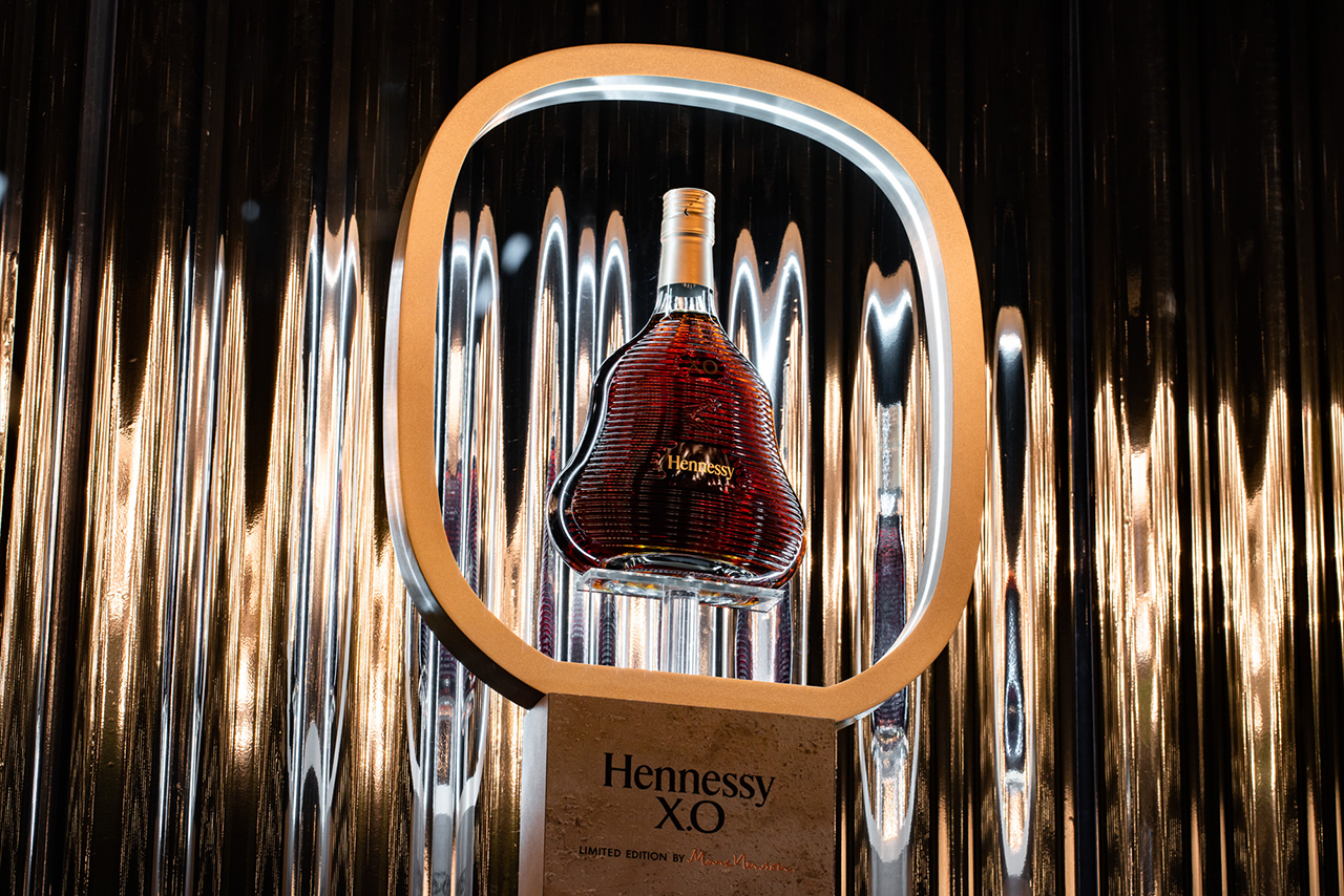 Prop Studios | Drink Brand Window Display Design | Hennessy Selfridges Window 9